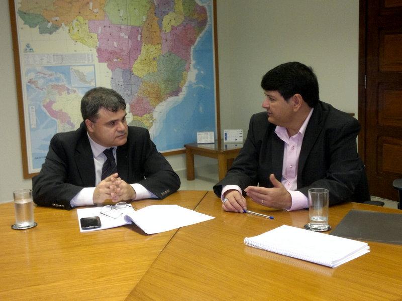 Coordenador Geral da RENCTAS, Dener Giovanini e o presidente do IBAMA,Volney Zanardi Júnior.